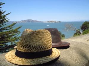 Les chapeaux s'évadent d'Alcatraz (oeuvre inachevée)
